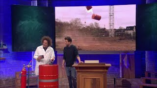 Wasserstoffbombe im Chemieunterricht – Guido Cantz rettet die VIPs