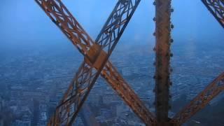 Париж: Подъем на лифте на Эйфелеву башню(, 2013-01-16T06:16:13.000Z)