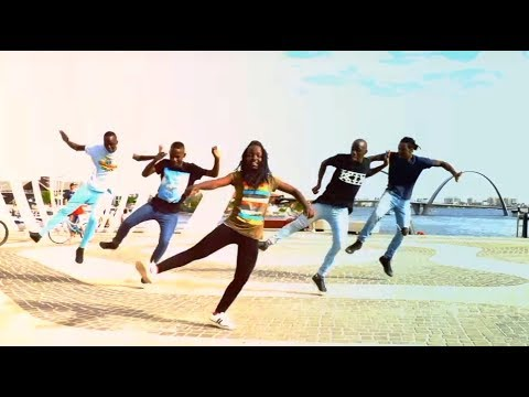 Triplets Ghetto kids ft Alexx Mubanga Dancing to Gaia Beat Shout Out 2 thumbnail