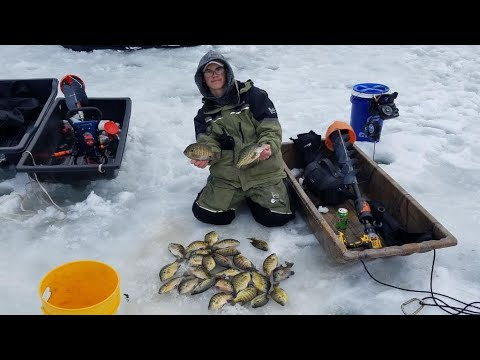 Ice Fishing By The Capital!(Wisconsin Ice Fishing)