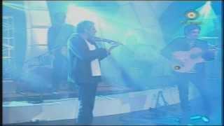 Divididos con Peteco Carabajal - La flor azul