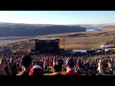 The Gorge Amphitheater - Cresting the Hill