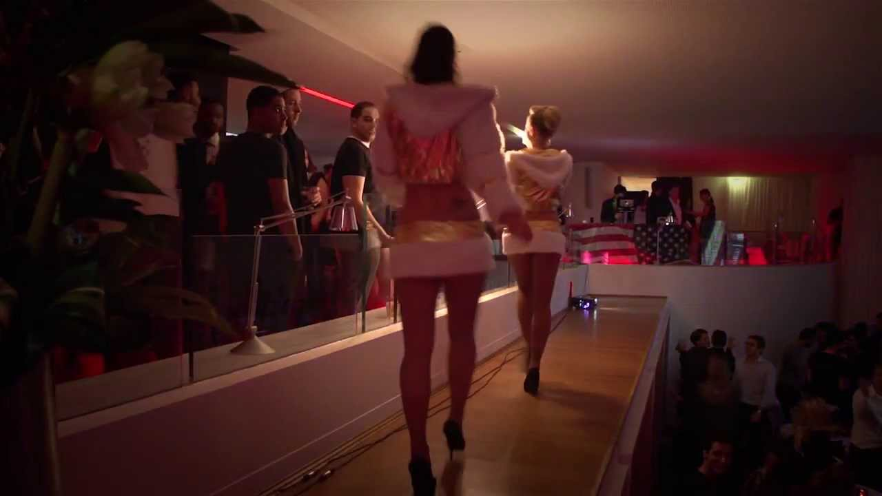 Maison blanche club montaigne youtube for Maison blanche boite de nuit paris
