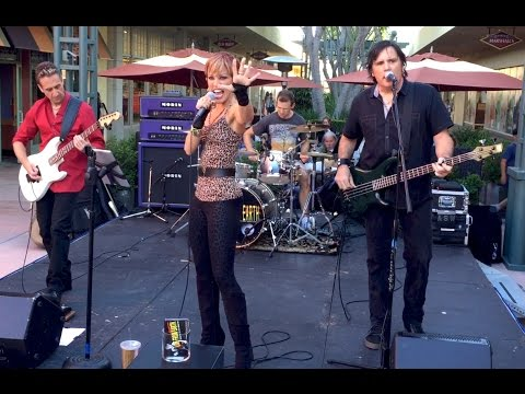 LIVE FROM EARTH: 'Heartbreaker' at Janss Marketplace