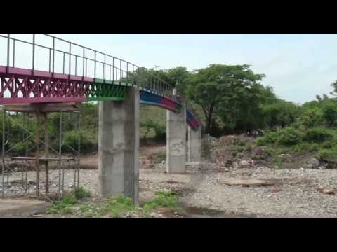 Alcaldia de Somotillo construye puente peatonal