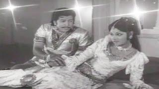 Download Naga Kanye Kannada Movie Songs || Bedaginarasi Baare || Vishnuvardhan || Bhavani MP3 song and Music Video