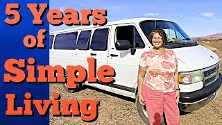 adventurous-woman-with-a-free-spirit-living-in-a-dodge-van-for-the-last-5-years