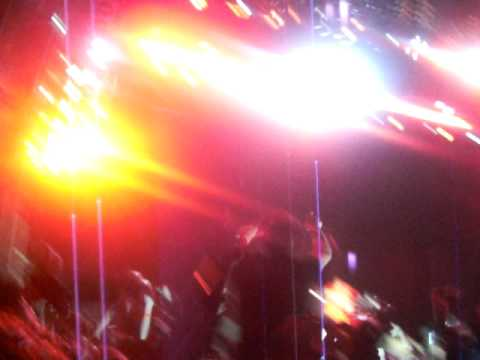 Creamfields 2009  Main Stage  Dizzee Rascal & Calvin Harris  Dance with me