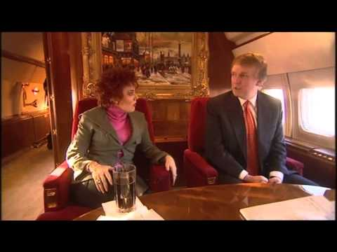 Ruby Wax Awkwardly Talks To Donald Trump On His Jet