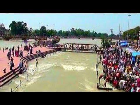 Ganga Darshan & river bath at Har Ki...