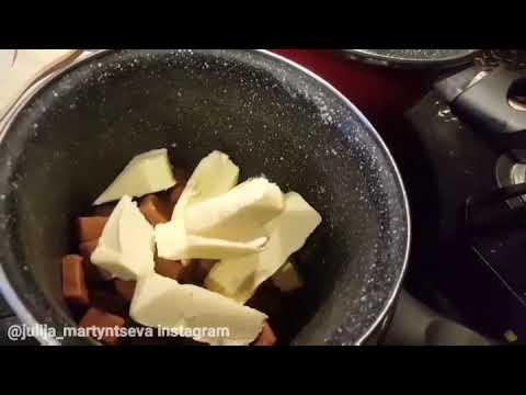 Сладкая колбаска из ирисок и кукурузных палочек. Очень вкусно и быстро