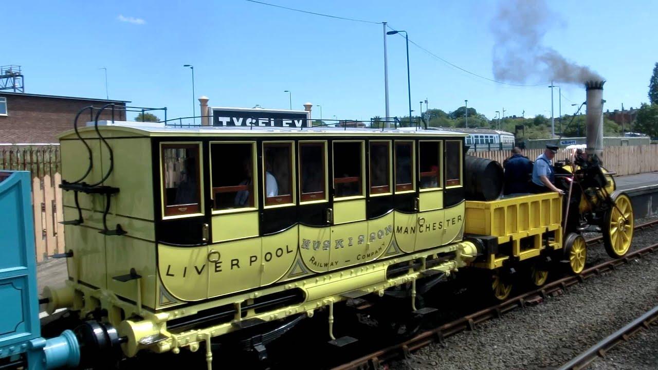 Replica of Stephenson's Rocket in full steam Tyseley ...