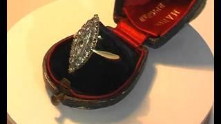 золотое кольцо с бриллиантами маркиза.avi(Шикарный перстень, подаренный маркизом своей супруге в день свадьбы. Вы можете купить его www.antik-invest.ru., 2011-02-15T12:38:13.000Z)