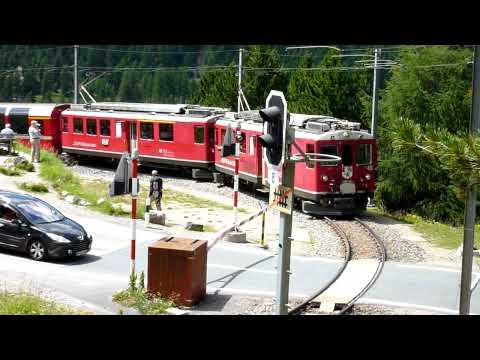 BEX Montebello Kurve (Bernina Express)