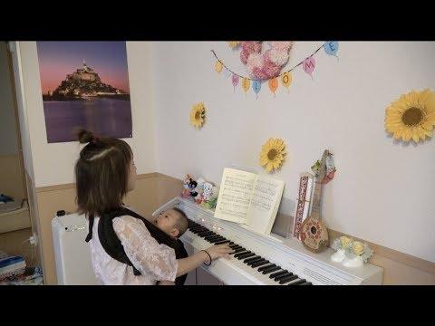 魔女宅ピアノ弾き語り&キキ夢を語る