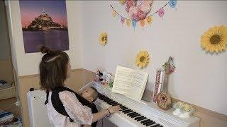 魔女宅ピアノ弾き語り&キキ、夢を語る thumbnail
