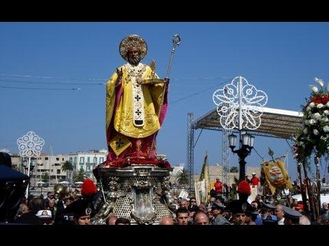 Festa di San Nicola, Bari, Italia - Saint Nicholas fest in Bari in Italy - Basilica di San Nicola