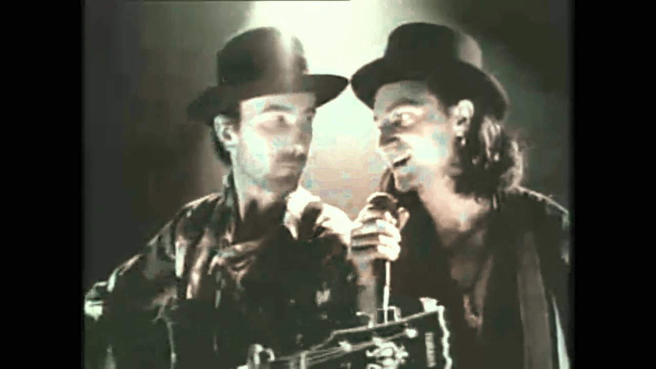 U2 - Christmas - Baby Please Come Home [HD] - YouTube