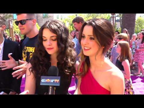 Vanessa & Laura Marano Interview - 2012 Teen Choice Awards