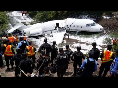 Firefighters respond to plane accident in Honduras