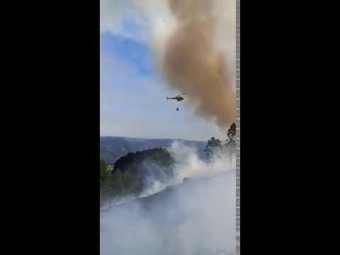 Activo un incendio en Meira que ha arrasado ya cinco hectáreas