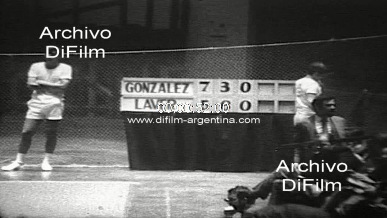 Pancho Gonzales derrota a Rod Laver en la final de torneo en USA