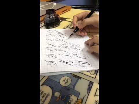 Ninar's aggressive alphabets ตัวเขียนภาษาอังกฤษพิมพ์ใหญ่