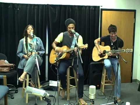 Michael Franti-Sound Of Sunshine (acoustic)