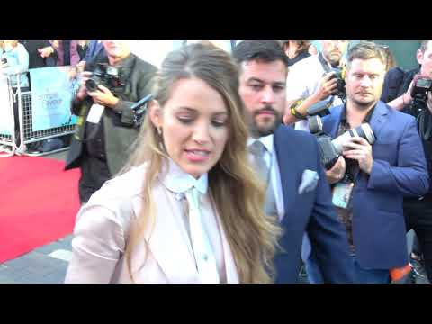 US actors Anna Kendrick and Blake Lively at premiere in London