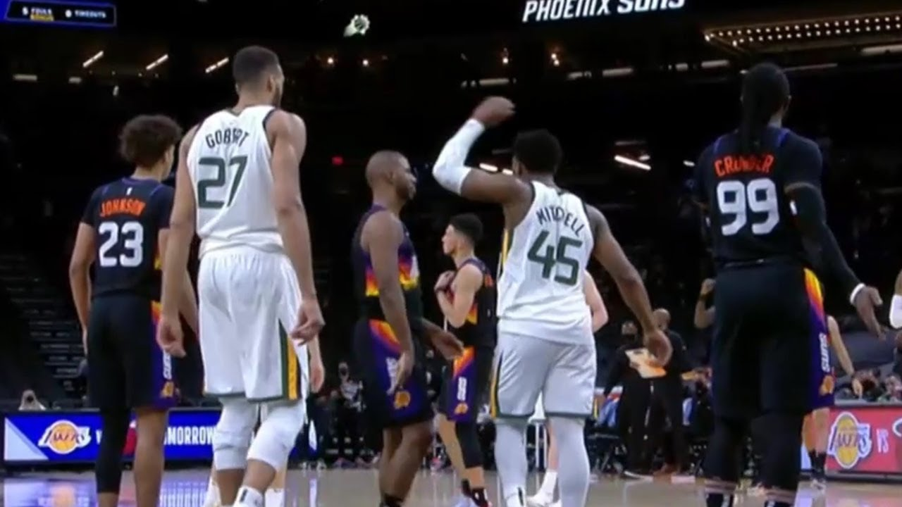 Chris Paul was trying to high five Donovan Mitchell after he missed the clutch free throw