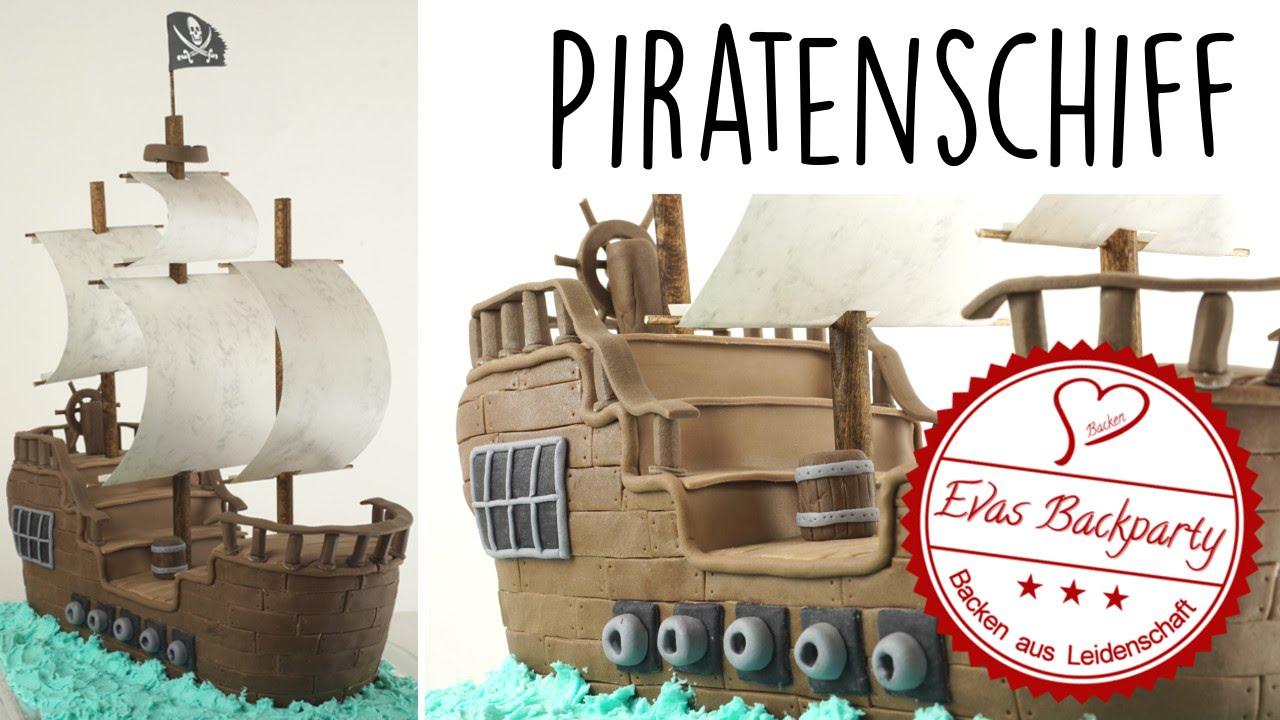 Piratenschiff als 3D Fondanttorte  Piratentorte  pirate