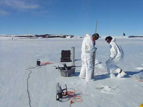 YROSIAE Survey in McMurdo Sound. Credit: Sébastien Moreau