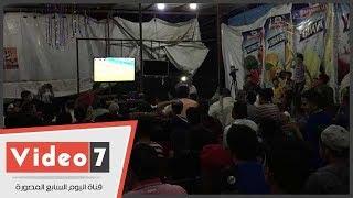 أهالى قرية محمد صلاح يحتفلون بعد هدفه فى شباك روسيا