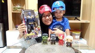 Mainan Superhero Avengers VS Thanos Sambil Makan Coklat Mirip Batu Thanos