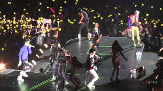 Video Big Bang - Fantastic Baby [Alive Tour 2012 Singapore Indoor Stadium] download MP3, 3GP, MP4, WEBM, AVI, FLV Juli 2018