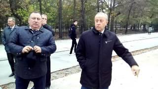 Валерий Радаев о дефектах плитки на Волжской