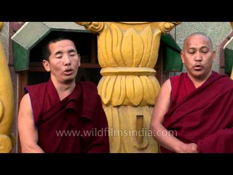 duet-multi-phonic-chanting-by-tibetan-monks