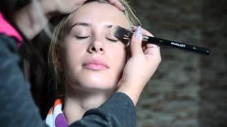 видео Самостійний макіяж на весілля