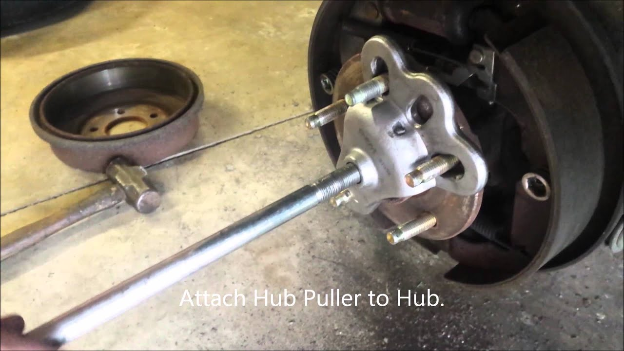 Replacing rear hub assembly on 2007 Saturn Vue. - YouTube