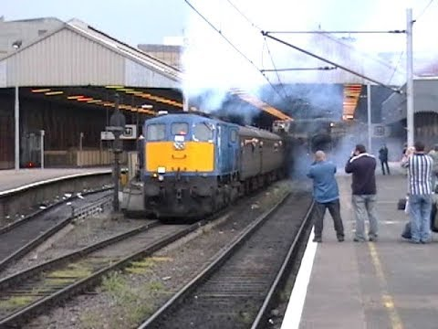113 departing Dublin Connolly for Belfast Central 13-May-06