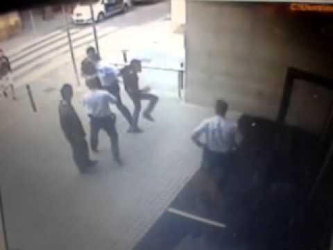 Càmera exterior de la comissaria de Ciutat Vella el 15 de juny entre les 06:50 i les 06:53
