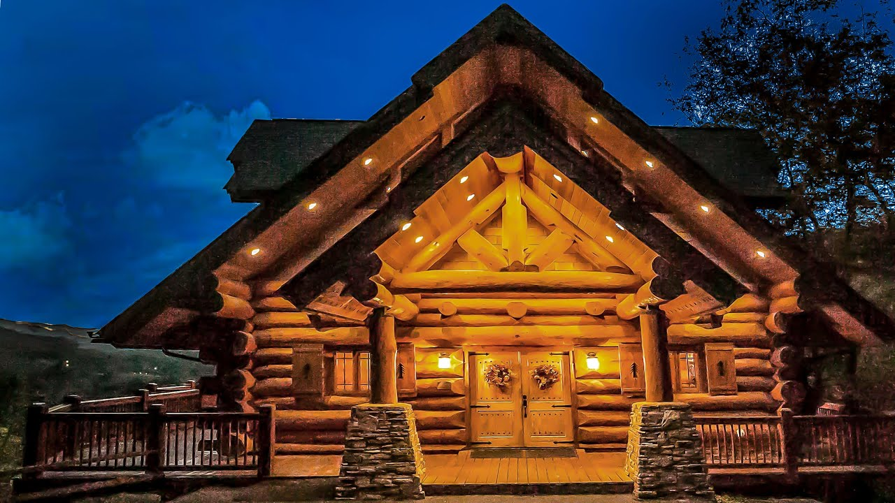 massive log cabin overlooking golf course for sale gatlinburg youtube. Black Bedroom Furniture Sets. Home Design Ideas