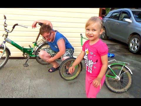 Лева и Алиса покрасили велосипеды из баллончика !!! colored paint bicycles challenge