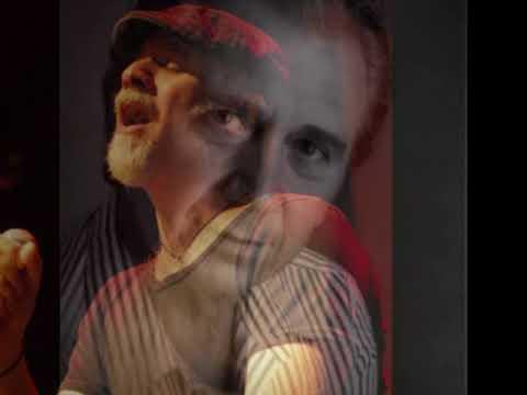 Ο Μάκης Σεβίλογλου τραγουδάει Απόστολο Καλδάρα - Ανεβαίνω Σκαλοπάτια