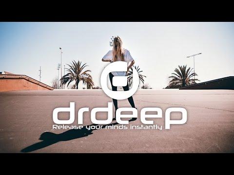 Moe Turk, DJ Fuzzy & Ayman Nageeb - Outta My Head