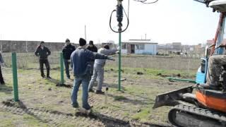 Строительство первого энергоэффективного дома в Одессе — репортаж со стройплощадки.(Видео с первого этапа строительства соломенного дома. Вкручивание свай механическим способом с помощью..., 2016-03-28T13:29:55.000Z)