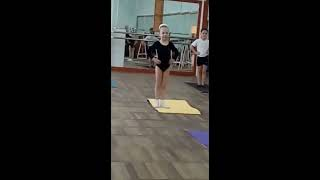 Семейное видео. Урок хореографии в музыкальной школе