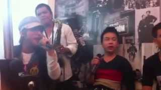 Cơn Mưa Ngang Qua (Acoustic Ver.) - M-TP live at Trà chanh.....