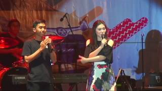 Video Isyana Sarasvati Live Banjarmasin - 05 - Kau Adalah download MP3, 3GP, MP4, WEBM, AVI, FLV Desember 2017