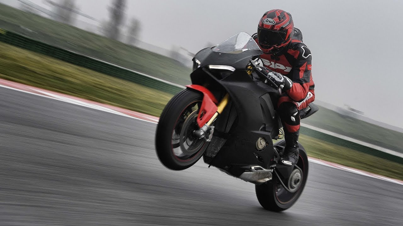 2018 Ducati Panigale V4 Prototype: Quest To Ride The New
